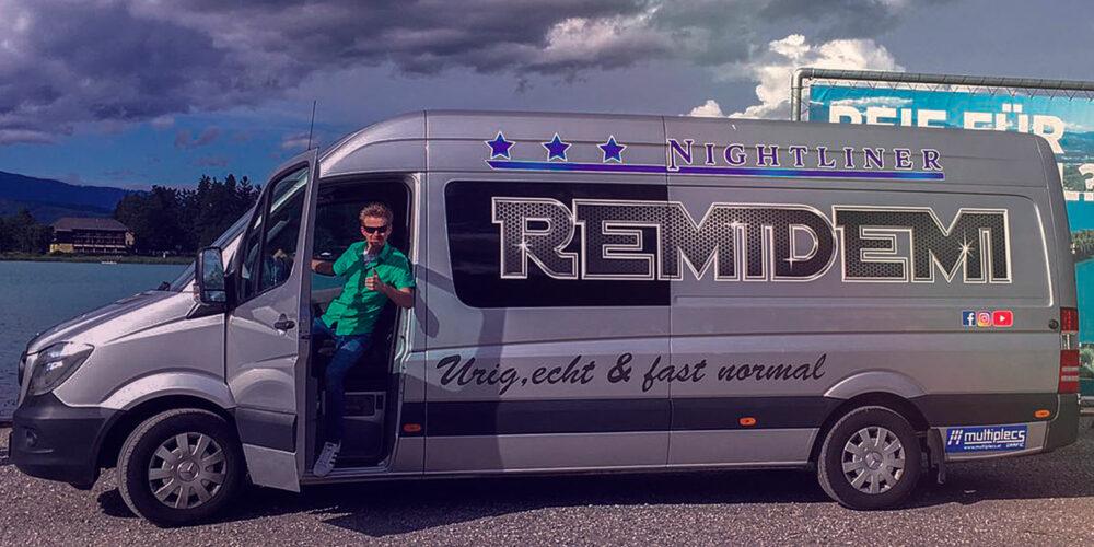 Remidemi Mercedes Bus mit Andreas Remich