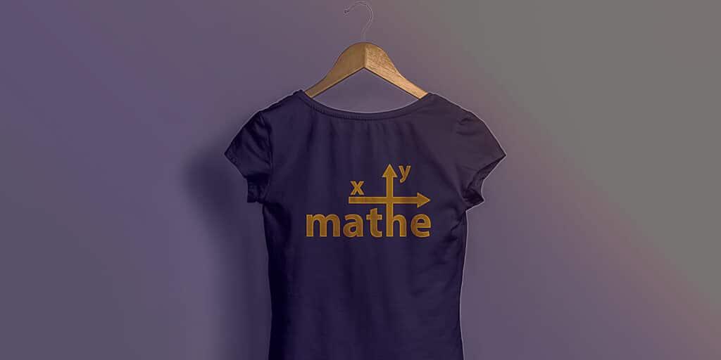 Schwarzes T-shirt mit Mathe xy Logo