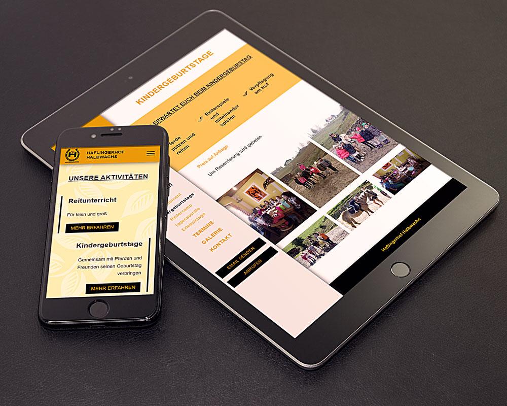 Webseite Haflingerhof auf einem Tablett und einem Smartphone